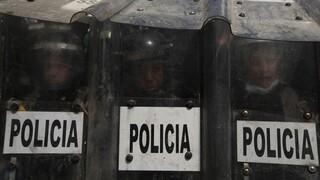 Μεξικό: Χάος σε διαδήλωση φεμινιστριών - Οι αστυνομικοί χρησιμοποίησαν πυροβόλα όπλα