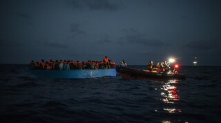 Ναυάγιο με πέντε νεκρούς μετανάστες στη Μεσόγειο – Φόβοι για περισσότερα θύματα