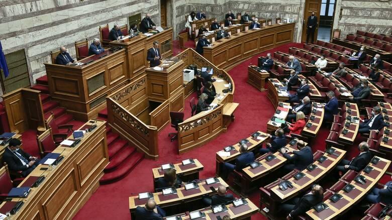 Βουλή: Οξεία σύγκρουση Μητσοτάκη και Τσίπρα στο πεδίο της... συναίνεσης