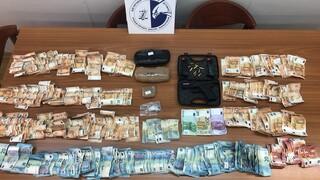 Σύλληψη σωφρονιστικού που επιχείρησε να εισάγει ναρκωτικά στον Κορυδαλλό