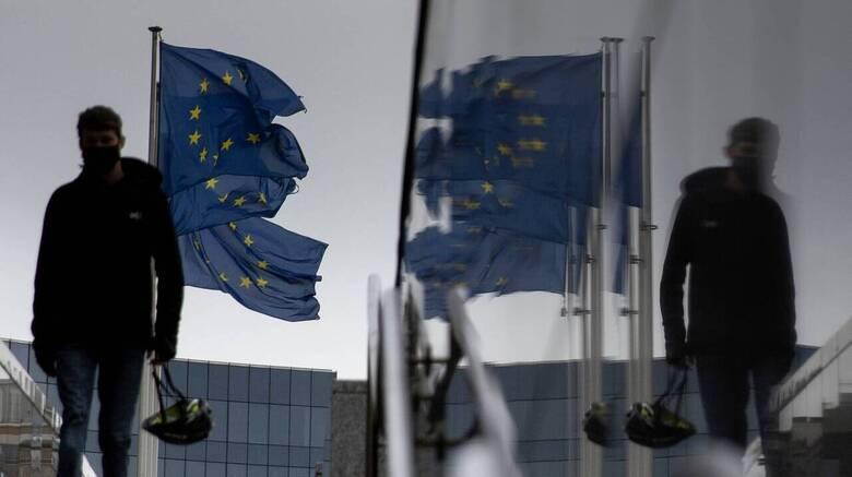 Δύσκολο να φρενάρει το brain drain στην Ελλάδα – Τι διαπιστώνει έκθεση της ΕΕ
