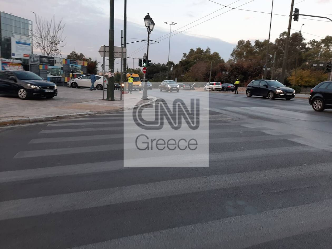 https://cdn.cnngreece.gr/media/news/2020/11/13/242550/photos/snapshot/kinisi-kai-elegxoi-simera-athina-5.jpg