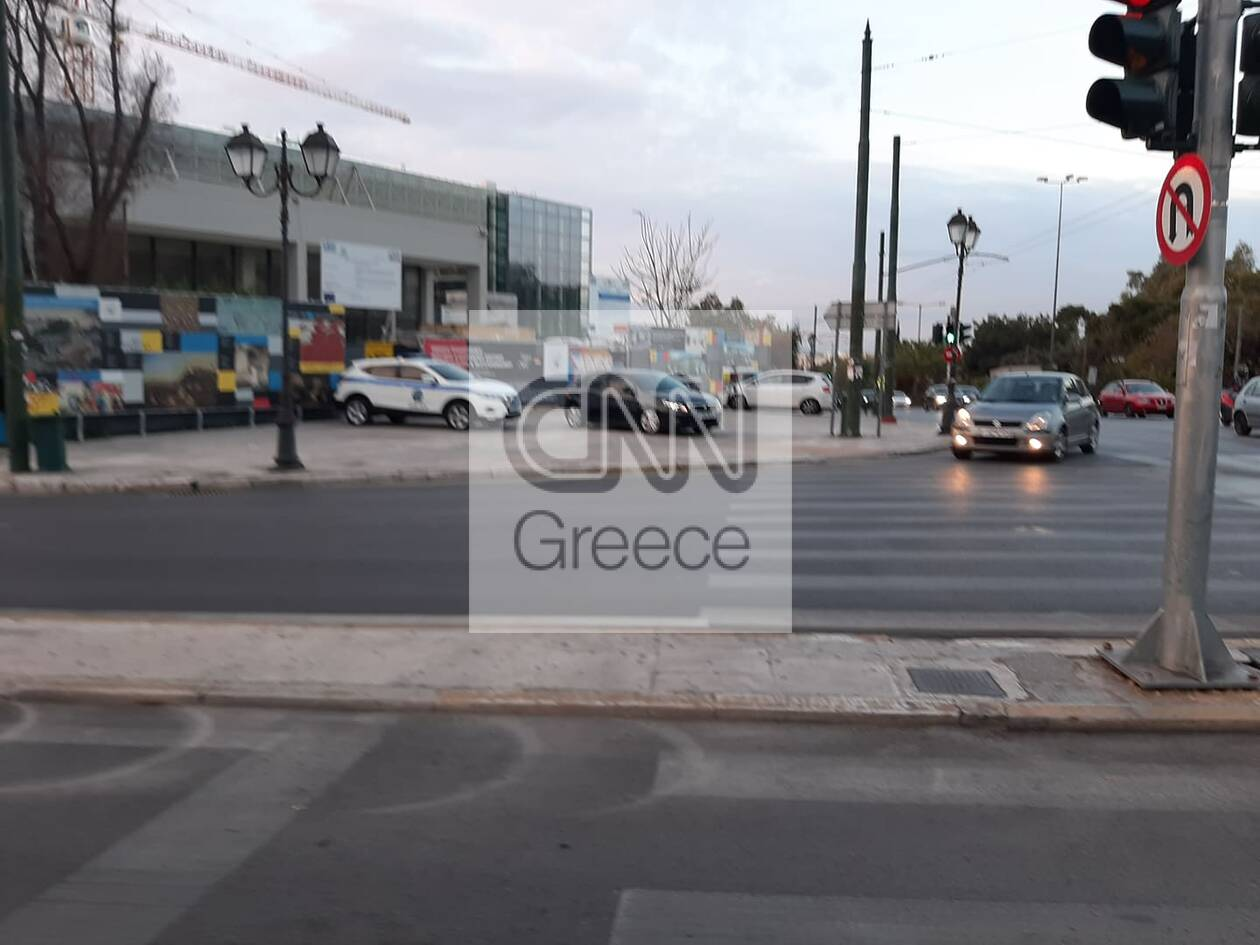 https://cdn.cnngreece.gr/media/news/2020/11/13/242550/photos/snapshot/kinisi-kai-elegxoi-simera-athina-9.jpg