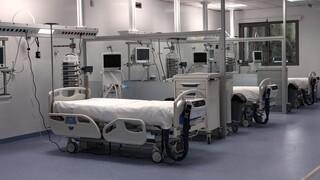 Έκκληση αναισθησιολόγου του «Παπανικολάου»: Βοηθήστε μας, διασωληνώνουμε 40άρηδες και 50άρηδες