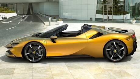 Αυτοκίνητο: H Ferrari SF90 των 1.000 ίππων πέταξε την οροφή της και έγινε Spider