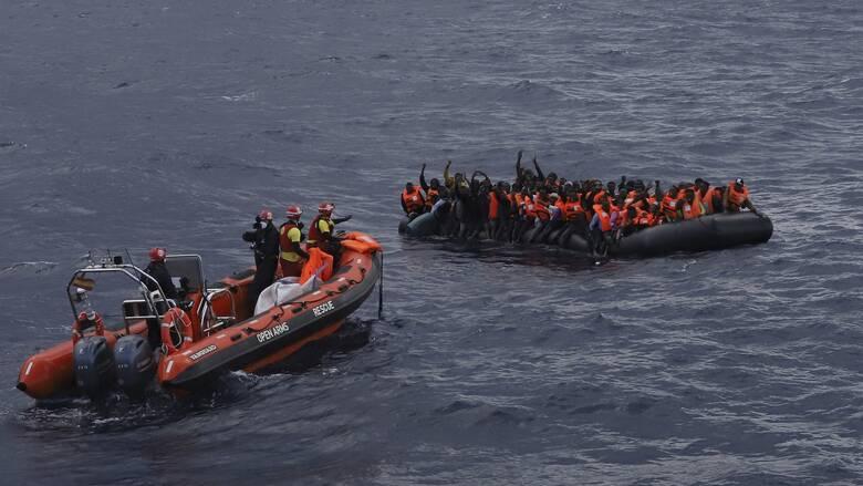 Ναυάγιο στη Μεσόγειο: 94 μετανάστες πνίγηκαν ανοικτά των ακτών της Λιβύης