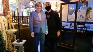 Γερμανία: Έλληνας εστιάτορας παρήγγηλε κέρινο ομοίωμα της Μέρκελ από το Μουσείο Τισό