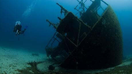 Οι εξερευνητές των βυθών - Μέρος πρώτο: Ναυάγια