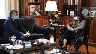 Συνάντηση Σακελλαροπούλου - Τσιόδρα: Οι εβδομάδες που έρχονται είναι κρίσιμες