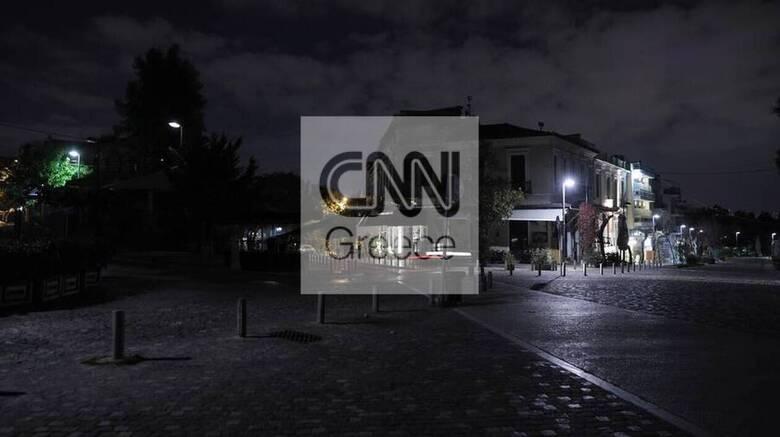 Κορωνοϊός: Έρημη πόλη η Αθήνα την πρώτη νύχτα με απαγόρευση κυκλοφορίας