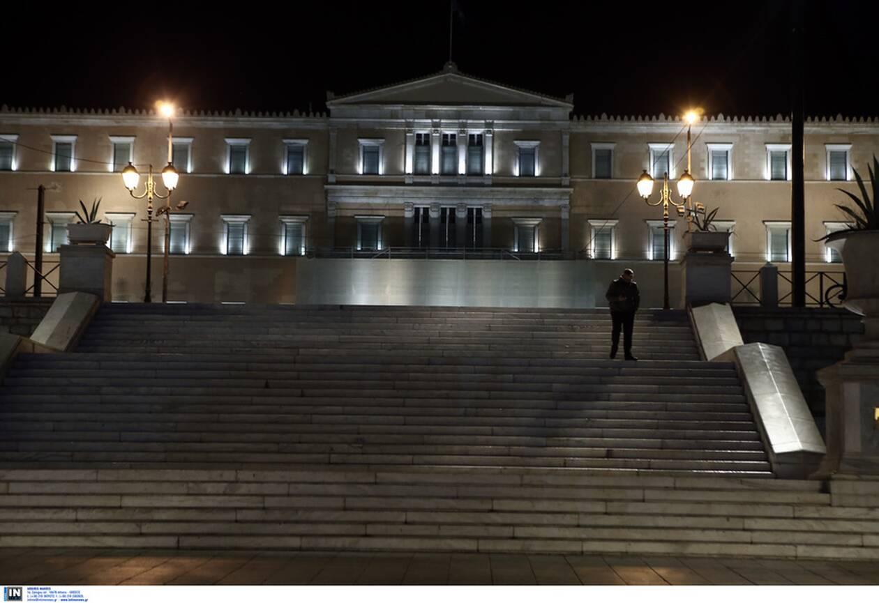 https://cdn.cnngreece.gr/media/news/2020/11/14/242717/photos/snapshot/aystiro-lockdown-7.jpg