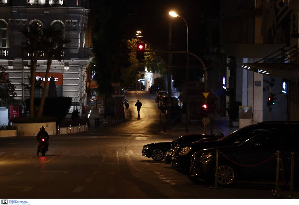 https://cdn.cnngreece.gr/media/news/2020/11/14/242717/photos/snapshot/aystiro-lockdown-9.jpg