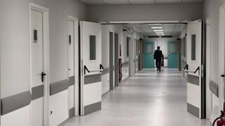Κορωνοϊός: «Μαύρη» Παρασκευή με ρεκόρ εισαγωγών χθες στα νοσοκομεία