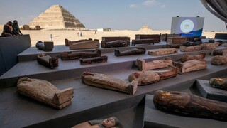 Αίγυπτος: Εκατό άθικτες σαρκοφάγοι ανακαλύφθηκαν στην Νεκρόπολη της Σακκάρα στο Κάιρο