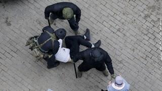 Λευκορωσία: Συλλήψεις διαδηλωτών και δημοσιογράφων στις κινητοποιήσεις κατά Λουκασένκο