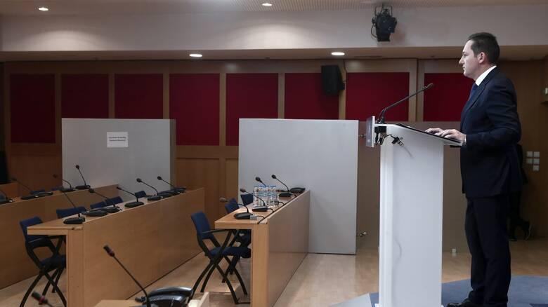 Πέτσας στο CNN Greece: Δεν υπάρχει σχέδιο για κλείσιμο καταστημάτων από τις 18:00