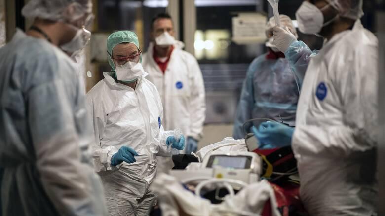 Κορωνοϊός: Νέο «μαύρο» ρεκόρ με 400 διασωληνωμένους - 59 θάνατοι, 2.198 νέα κρούσματα