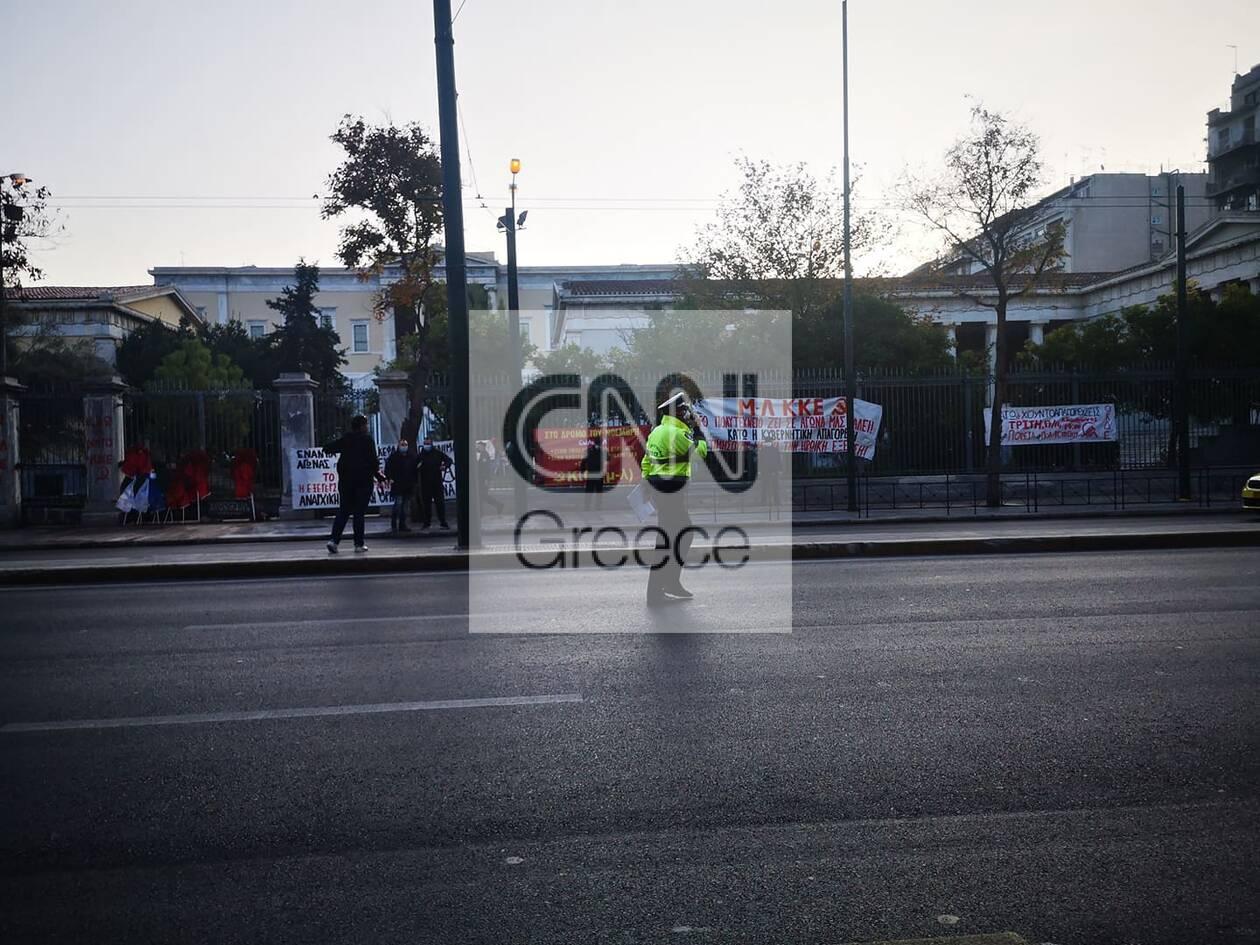 https://cdn.cnngreece.gr/media/news/2020/11/17/243062/photos/snapshot/polytexneio-kleisth-pathsiwn-astakos-1.jpg