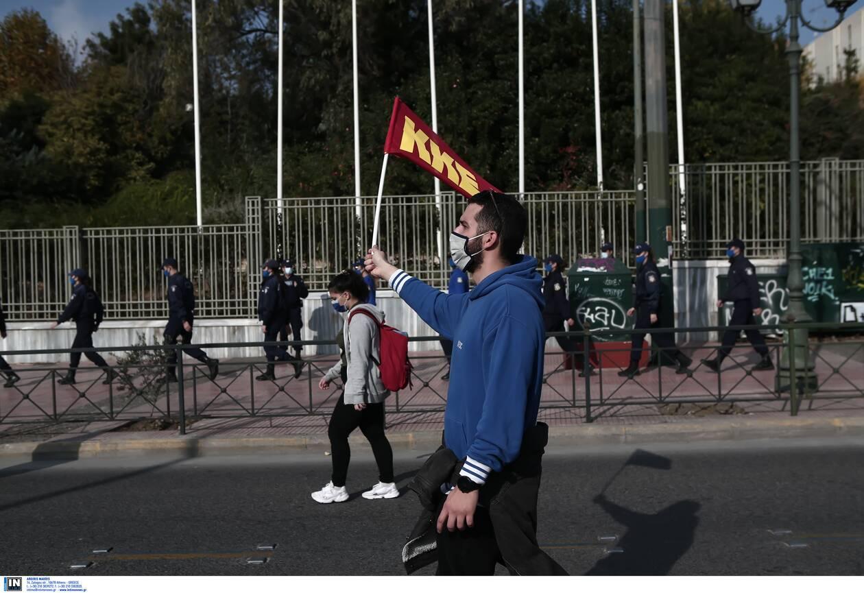 https://cdn.cnngreece.gr/media/news/2020/11/17/243089/photos/snapshot/Polytexneio-KKE-3025273.jpg