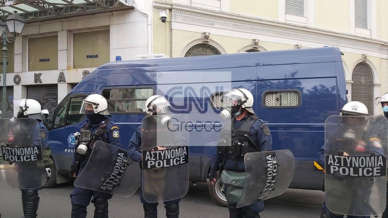 https://cdn.cnngreece.gr/media/news/2020/11/17/243131/photos/snapshot/PROSAGWGES-STADIOY5.jpg