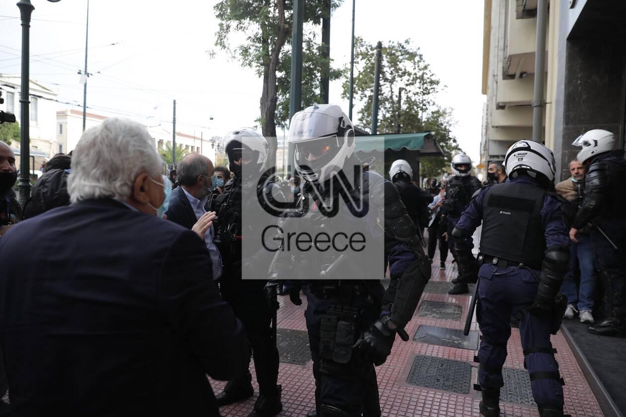 https://cdn.cnngreece.gr/media/news/2020/11/17/243131/photos/snapshot/polutexneio5.jpg