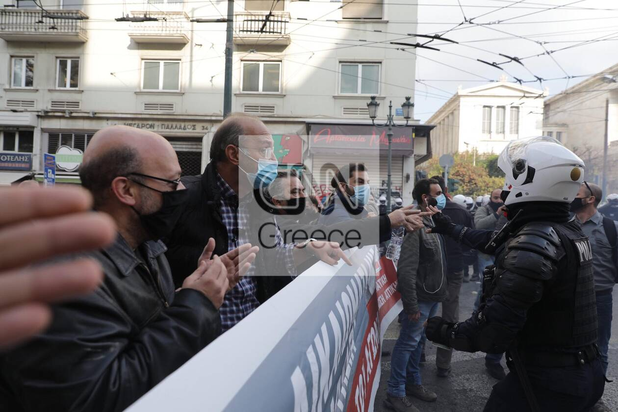 https://cdn.cnngreece.gr/media/news/2020/11/17/243131/photos/snapshot/polutexneio8.jpg