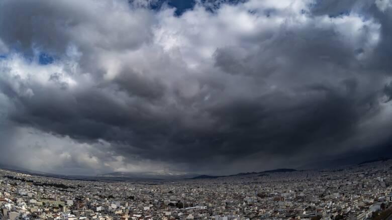 Καιρός: Βροχές και πτώση της θερμοκρασίας την Τετάρτη – Πού θα πέσουν τα πρώτα χιόνια
