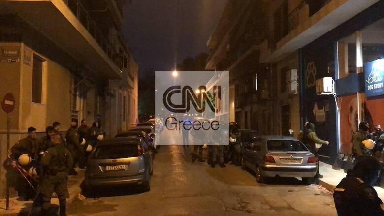 Πολυτεχνείο: Ένταση έξω από το Αστυνομικό Τμήμα στον Κολωνό