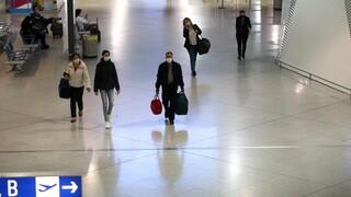 Κορωνοϊός: Ανοιχτά τα εμπορικά καταστήματα στα αεροδρόμια της χώρας