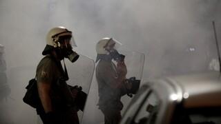 Πολυτεχνείο - Θεσσαλονίκη: Μολότοφ στο Αστυνομικό Τμήμα Συκεών