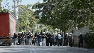 Πολυτεχνείο - Μυτιλήνη: Αστυνομικές δυνάμεις εμπόδισαν συνάθροιση στην προτομή Μυρογιάννη