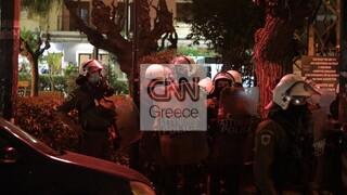 Πολυτεχνείο: Εικόνα διάσπαρτης έντασης το απόγευμα σε γειτονιές της Αθήνας