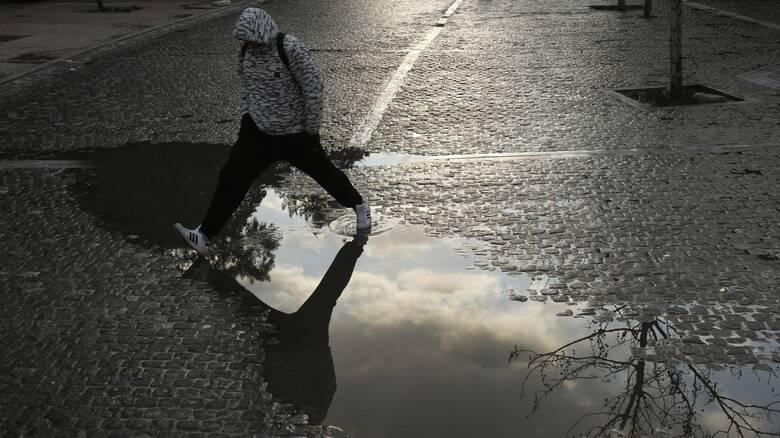 Έκτακτο δελτίο επιδείνωσης καιρού: Έρχονται καταιγίδες, άνεμοι και χαλαζοπτώσεις