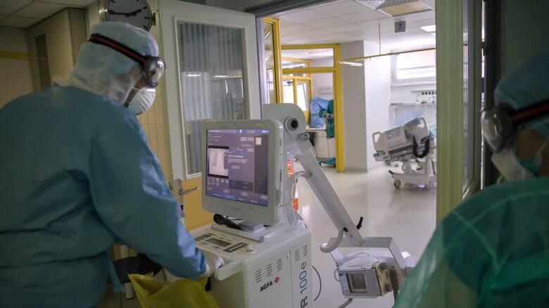 Κορωνοϊός: Στη «μέγγενη» της πανδημίας το Σύστημα Υγείας – Στο 82% η πληρότητα στις ΜΕΘ - COVID