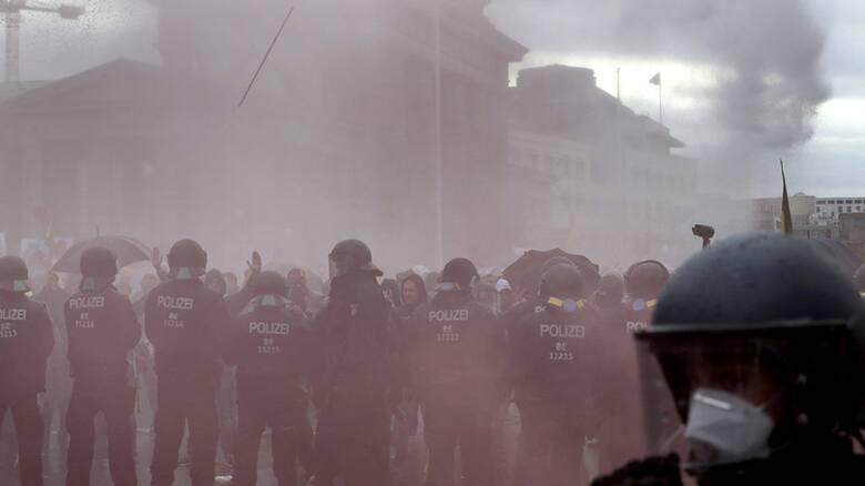 Γερμανία: Άλλαξε η νομοθεσία για την προστασία από πανδημίες - Επεισόδια στην Μπούντεσταγκ