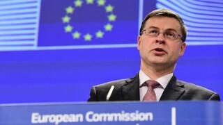 Ντομπρόβσκις: Η Ελλάδα διαχειρίζεται καλά την κρίση