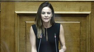 Αχτσιόγλου κατά Βρούτση - Σταϊκούρα: Ντράπηκε και η ντροπή με τις «νέες» ανακοινώσεις