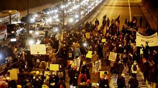Πολωνία: Είκοσι συλλήψεις μετά από διαδήλωση κατά του νόμου για τις αμβλώσεις