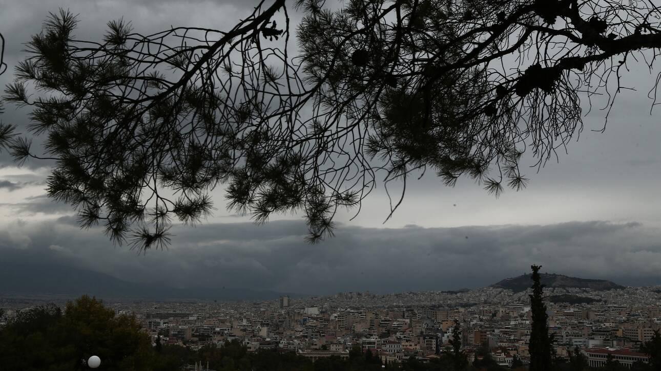 Καιρός: Καταιγίδες, ισχυροί άνεμοι και πτώση της θερμοκρασίας την Παρασκευή