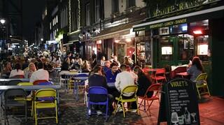 Κορωνοϊός - Βρετανία: Τρία στα τέσσερα εστιατόρια και μπαρ οδεύουν σε οριστικό «λουκέτο»
