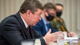 Κορωνοϊός: Θετικοί στον Covid 19 οι υπουργοί Άμυνας ΗΠΑ και Λιθουανίας