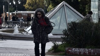 Καιρός: Βροχές και περαιτέρω πτώση της θερμοκρασίας – Πού θα χιονίσει