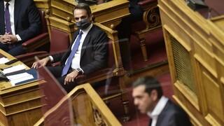 Κορωνοϊός: Οξύνεται η πολιτική σύγκρουση κυβέρνησης-ΣΥΡΙΖΑ για την πανδημία