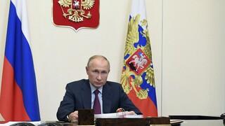 Πούτιν: Είμαστε έτοιμοι να δώσουμε σε άλλες χώρες το εμβόλιο Sputnik V