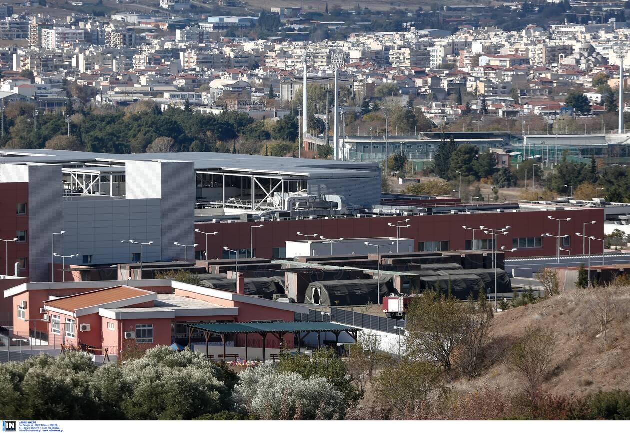 https://cdn.cnngreece.gr/media/news/2020/11/22/243822/photos/snapshot/kinhto-nosokomeio-thessaloniki-424-1.jpg