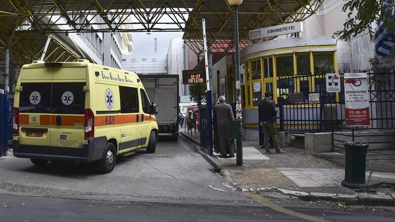 ΠΟΕΔΗΝ: Και τέσσερις γιατροί ανάμεσα στους διασωληνωμένους