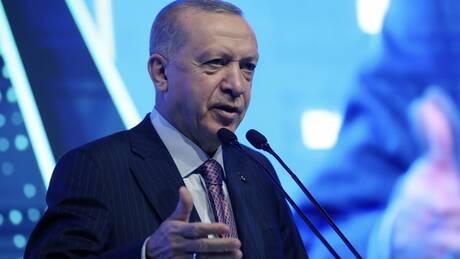 Ερντογάν: Η ΕΕ να τηρήσει τις δεσμεύσεις της - Πράξεις, όχι λόγια, ζητά το Παρίσι