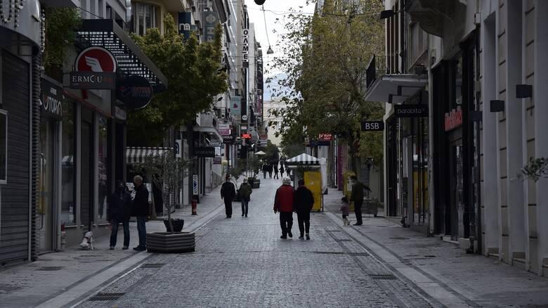 Κορωνοϊός: 211 νεκροί το Σαββατοκύριακο - Τα σενάρια για την αγορά των Χριστουγέννων