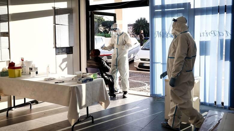 Κορωνοϊός: «Σαρώνει» στην Ευρώπη με δεκάδες χιλιάδες νέα κρούσματα