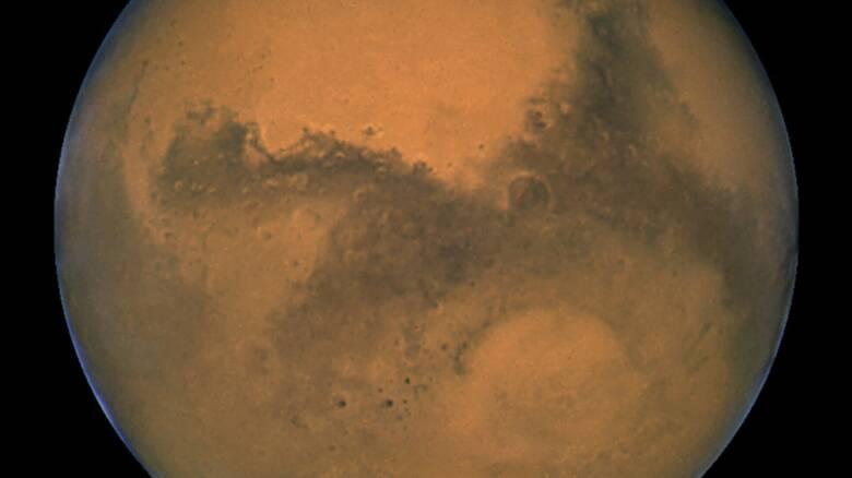 Νέες πληροφορίες για τον Άρη; Επιστήμονες «βλέπουν» έκρηξη ηφαιστείου και τεράστια πλημμύρα